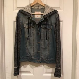 Jean jacket with hood